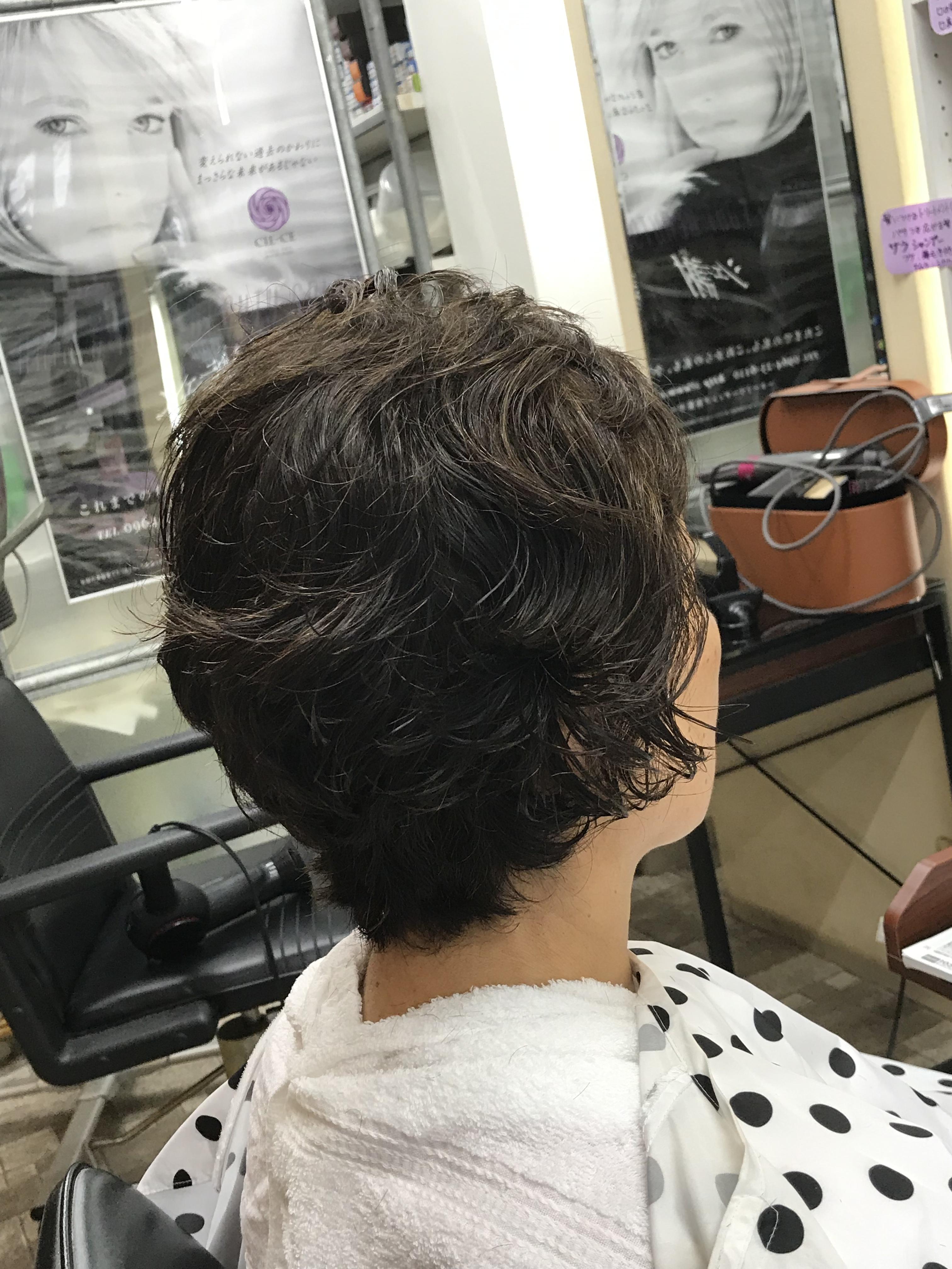 強いくせ毛をお手入れ簡単ヘアに出来るのは、キュビズムカットだから。