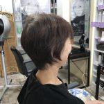 直毛の方にもくせ毛カットが必要なのは?